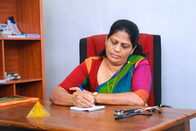 Auyrveda Lady Doctor in Sri Lanka Doctor Swetha Lalini